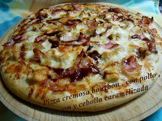 PIZZA CREMOSA BOURBON , CON POLLO,BACON Y CEBOLLA CARAMELIZADA Bourbon, Bacon, Calzone, Empanadas, Hawaiian Pizza, Poultry, Breakfast, Recipes, Food