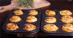 You might think that a muffin tin and a bunch of potatoes don't have much to do with each other, but once you see this recipe for parmesan potato stacks, you'll realize just how wrong you were. Parmesan Potato Stacks Recipe, Parmesan Potatoes, Sliced Potatoes, Side Recipes, Great Recipes, Favorite Recipes, Potato Snacks, Potato Recipes, Vegetable Recipes