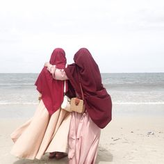 freedom doesn't belongs to be naked, it belongs to respect , safety🌿 Hijabi girls