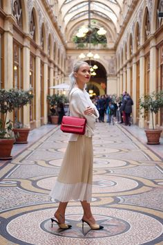 There are 5 fashion brands to watch in 2018 over on the blog this week! Find out which 5 brands I'm coveting and why - now! www.inthefrow.com