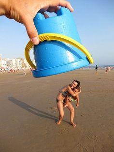 Funny beach pic idea! Lol front back