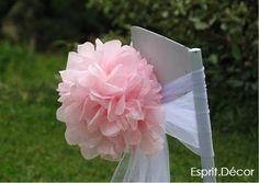 Décoration de mariage champêtre chic Pompons