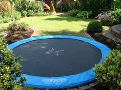 Afbeeldingsresultaat voor trampoline tuin ingraven