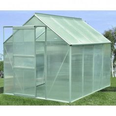 4 Easy Steps to Set-Up Your Own Backyard Aquaponics System - Tools And Tricks Club What Is Greenhouse, Greenhouse Effect, Small Greenhouse, Greenhouse Plans, Greenhouse Kitchen, Backyard Greenhouse, Greenhouse Supplies, Backyard Aquaponics, Aquaponics Plants