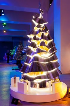 Christmas tree by Dior... All futurey and weird looking @TangledTree #tangledtreexmas