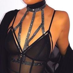 Rhinestone crossover diamond bralette club outfits bra chain choker on fleek Clubbing Outfits, Edgy Outfits, Swag Outfits, Fashion Outfits, Chill Outfits, Diamond Bralette, Diy Bralette, Villa Mix, Club Outfits For Women