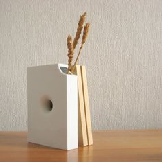Hanabunko   a flower vase modeled after Japanese small-format books