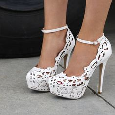 Leather Pumps with Cutouts fashion shoes lace white high heels pumps cutout Dream Shoes, Crazy Shoes, Me Too Shoes, Pretty Shoes, Beautiful Shoes, Gorgeous Heels, Beautiful Images, Ankle Strap Heels, Shoes Heels