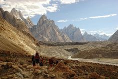 Pakistan - Karakoram mountains - photo by Daniel Cano Ott via flickr