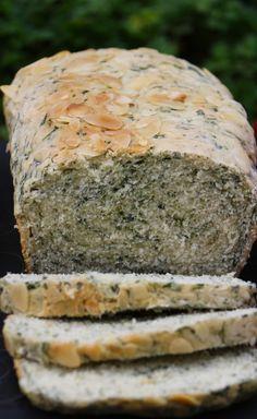 receta-pan-espinaca-cherrytomate-08 Vegan Bread, Keto Bread, Bread Baking, Bread Recipes, Low Carb Recipes, Vegan Recipes, Healthy Cooking, Healthy Snacks, Muffins