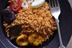 Recipe: Jollof rice Recipe: Jollof rice–Nigeria's most popular rice dish Rice Dishes, Food Dishes, Rice Recipes, Healthy Recipes, Jollof Rice, Nigerian Food, Turkish Recipes, Food Inspiration, Yummy Treats
