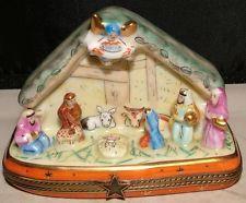 NATIVITY MANGER SCENE Peint Main Limoges Porcelain TRINKET Box artist signed