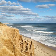 Beachside beauty Check out for more New York State travel inspiration. Photo by by beautifuldestinations Montauk Beach, Montauk Lighthouse, New York State Parks, Sounds Of Birds, Long Island Ny, Paradis, Vacation Destinations, Beach Vacations, Hiking Trails