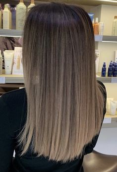 - Hair - Trendfrisuren Chad, akkurater Mittelscheitel oder The french Gray Hair Highlights, Brown Hair Balayage, Brown Blonde Hair, Light Brown Hair, Hair Color Balayage, Medium Ash Brown Hair, Ombre Hair Color, Brown Hair Colors, Haircut Styles