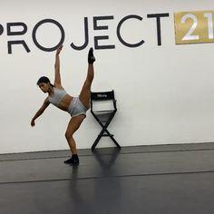 Dance Jumps, Acro Dance, Dance Moves, Dancer Workout, Dance Workout Videos, Contemporary Dance Videos, Modern Dance, Ballet Dance Videos, Dance Choreography Videos