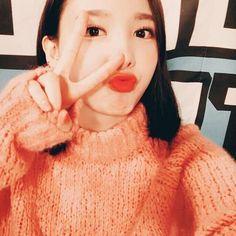 two nayeon posts in a rowww:)) {#twice #chaeyoung #dahyun #nayeon #tzuyu #sana #momo #jeongyeon #jungyeon #jihyo #mina #once #oneinamillion #twicefans #kpop #kpoptwice #twicekpop #girlgroup #jyp #jype #bias #jyptwice #twice #tt #oohahh #cheerup #twicethemes #orange}