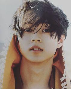 An asian beauty Cute Asian Guys, Asian Boys, Asian Men, Cute Japanese Boys, Japanese Men, Totoro, Pretty Boys, Cute Boys, Yume
