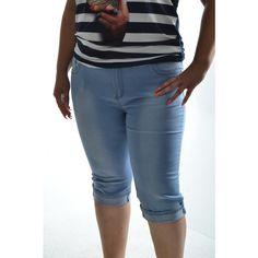 Dámske elastické trojštvrťové rifle - bledomodré Bermuda Shorts, Women, Fashion, Moda, Fashion Styles, Fashion Illustrations, Shorts, Woman