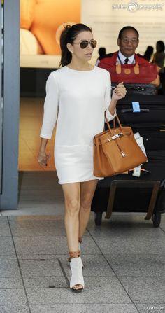 Eva Longoria Michael Kors Eyewear, Victoria Beckham Dress, Hermès Bag Giuseppe Zanotti Shoes