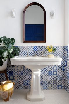 Bathroom with blue tiles
