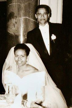 The Obama Family Diary: Photos Of President Barack Obama And First Lady Michelle Obama Malia Obama, Michelle Und Barack Obama, Barack Obama Family, Celebrity Wedding Dresses, Celebrity Weddings, Wedding Gowns, Celebrity News, Camo Wedding, Star Wedding