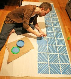 What's better than printing your own DIY Patterned Fabric? A man printing DIY Patterned Fabric. I don't know too many crafty men so I love that this DIY is written by a man. Do It Yourself Furniture, Do It Yourself Home, Home Crafts, Diy Home Decor, Diy And Crafts, Diy Projects To Try, Craft Projects, Sewing Projects, Do It Yourself Decoration