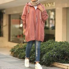 Oversized sweater dress hijab style Hijab Coats Models 2020 - Oversized sweater dress hijab style Hijab Coats Models 2020 Source by Dresses hijab Modern Hijab Fashion, Street Hijab Fashion, Hijab Fashion Inspiration, Muslim Fashion, Casual Hijab Outfit, Hijab Chic, Casual Outfits, Fashion Outfits, Hijab Dress