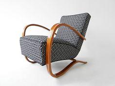 Retrohome   Křesla Halabala H-269 (čalounění, renovace područek) Chair Upholstery, Sofas, Armchairs, Club Chairs, Bassinet, Decoration, Diy Furniture, Tote Bag, Architecture