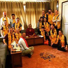 Willkommen in Nepal. Der Rinpoche hatte mal wieder viel Geduld mit unseren Fragen.