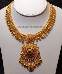 22 carat gold south indian traditional mango jewelry with its evergreen design will be in fashion forever. Beautiful jewelry to cherish for special events.