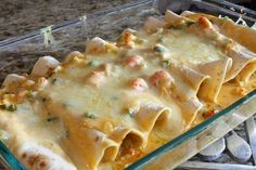 Crab and Shrimp Enchiladas - Here's a spicy Cajun favorite that is perfect for anytime. Instead of enchilada sauce, I use Sofrito and Cilanto sauce by Bada. I also add Emril's Fish rub seasoning. Crawfish Recipes, Cajun Recipes, Seafood Recipes, Mexican Food Recipes, Cooking Recipes, Mexican Entrees, Creole Recipes, Chicken Recipes, Shrimp Enchiladas