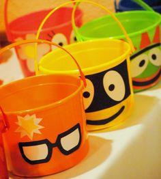 Yo Gabba Gabba buckets
