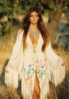 Rachel Welch by Franco Rubartelli for Italian Vogue (1969)