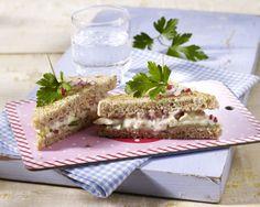 Unser beliebtes Rezept für Camembert-Tramezzini (Sandwich) und mehr als 55.000 weitere kostenlose Rezepte auf LECKER.de.