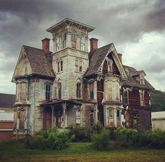 creepy old estates, crumbing mansions, Victorian manors, haunted houses.