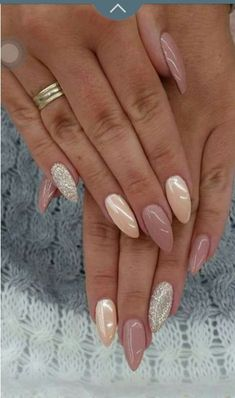 False nails have the advantage of offering a manicure worthy of the most advanced backstage and to hold longer than a simple nail polish. The problem is how to remove them without damaging your nails. Hot Nail Designs, Acrylic Nail Designs, Acrylic Nails, Coffin Nails, Stiletto Nails, Nails 2018, Hot Nails, Super Nails, Nagel Gel
