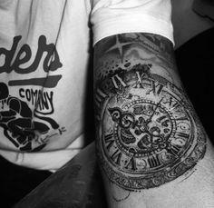 clock tattoo inka tattoo malta inka tattoo studio. Black Bedroom Furniture Sets. Home Design Ideas