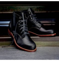 I'm looking for a classic black boot. I love the simple look, but rich look of this boot. Men's 1000 Mile Boot - W05301 - Vintage Boots | Wolverine