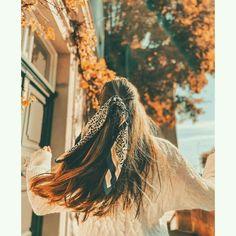 Teenage Girl Photography, Portrait Photography Poses, Photography Poses Women, Girl Photography Poses, Stylish Photo Pose, Stylish Girls Photos, Korean Girl Photo, Cute Girl Photo, Cute Girl Poses