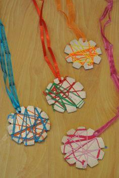 Der Turtle and Haas Wettbewerb im Klassenzimmer Rian Visser – TB Giphdom Yoga For Kids, Art For Kids, Kids Work, Olympic Crafts, Olympic Games, Diy And Crafts, Crafts For Kids, Sport Craft, Sport Body