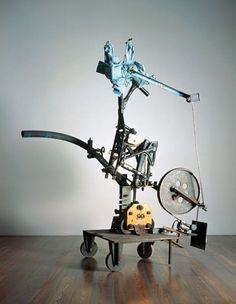 Reminds me of a bird, i would like to see it in motion. Jean Tinguely, Abstract Sculpture, Sculpture Art, Sculpture Ideas, Contemporary Sculpture, Modern Contemporary, New Artists, Great Artists, San Francisco Museums