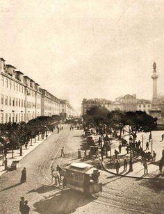 Praça D. Pedro IV (Rossio) com carro americano, anterior a 1901