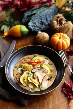 Pumpkin ravioli gorgonzola sauce and sautéed porcini mushrooms A lunch of sun Italian Dinner Recipes, Beef Recipes For Dinner, Delicious Dinner Recipes, Veggie Recipes, Vegetarian Recipes, Cooking Recipes, Healthy Recipes, Fast Recipes, Sauce Gorgonzola