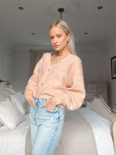 Why My Evening Routine is The Most Important Part of My Day - Inthefrow Next Fashion, Daily Fashion, Girl Fashion, Winter Fashion, Victoria Magrath, Aesthetic Women, Evening Routine, Casual Street Style, How To Take Photos