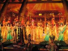http://www.beijinglandscapes.com/xian_nightlife/Tang-Dynasty-Music-and-Dance-Show.html