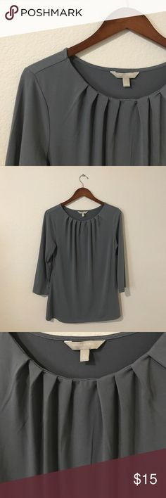 NWOT Banana Republic Grey Top 3/4 sleeves. Worn once to try on. NWOT Banana Republic Tops Blouses