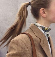 silk bandana under a buttondown and a ponytail Fashion Mode, Fashion Outfits, Womens Fashion, Fashion Trends, Silk Bandana, Gilmore Girls, Up Girl, Winter Fashion, Style Inspiration