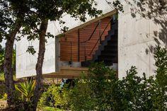 Concreto Aparente - Fachada - Casa Contemporânea em Tibau do Sul - Casa da Praia - Yuri Vital -  Construtora Podium - Praia do Pipa - Pilotis