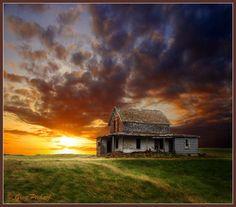 Abandoned farmhouse in Canada.