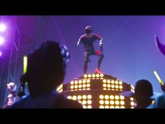 The new iKONIK outfit and Scenario emote within Fortnite, inspired by Jung Chanwoo from the K-Pop band, iKON. Best Gaming Wallpapers, Battle Royale Game, Pop Bands, Ikon, Cheating, Anime, Samsung, Invitations, Games